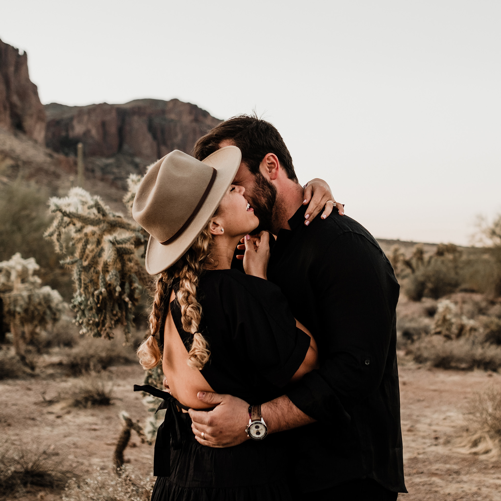 Arizona-Desert-Intimate-Wedding-Photographer-Lost-Dutchman-State-Park (11)