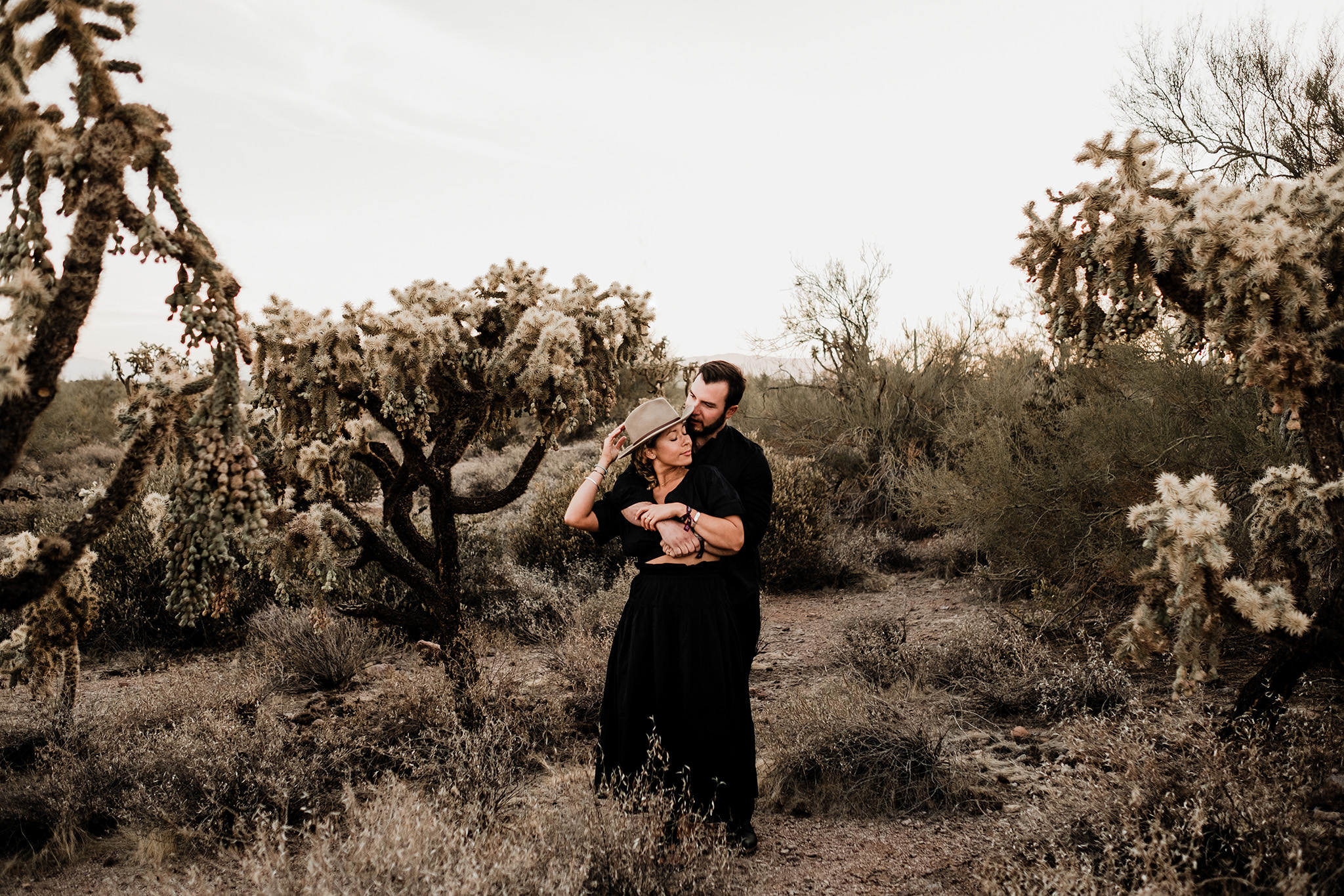 Arizona-Desert-Intimate-Wedding-Photographer-Lost-Dutchman-State-Park (12)