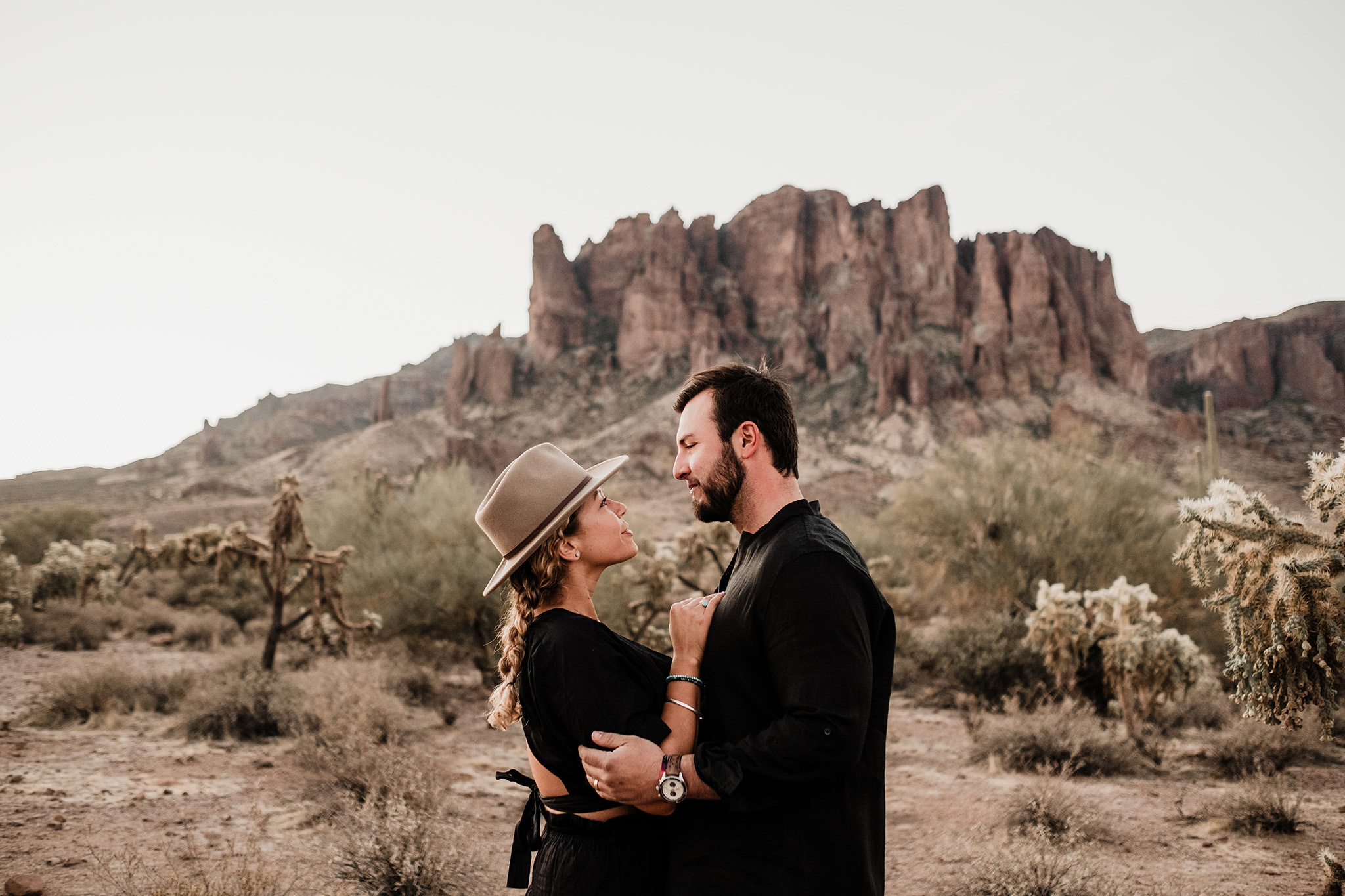 Arizona-Desert-Intimate-Wedding-Photographer-Lost-Dutchman-State-Park (2)