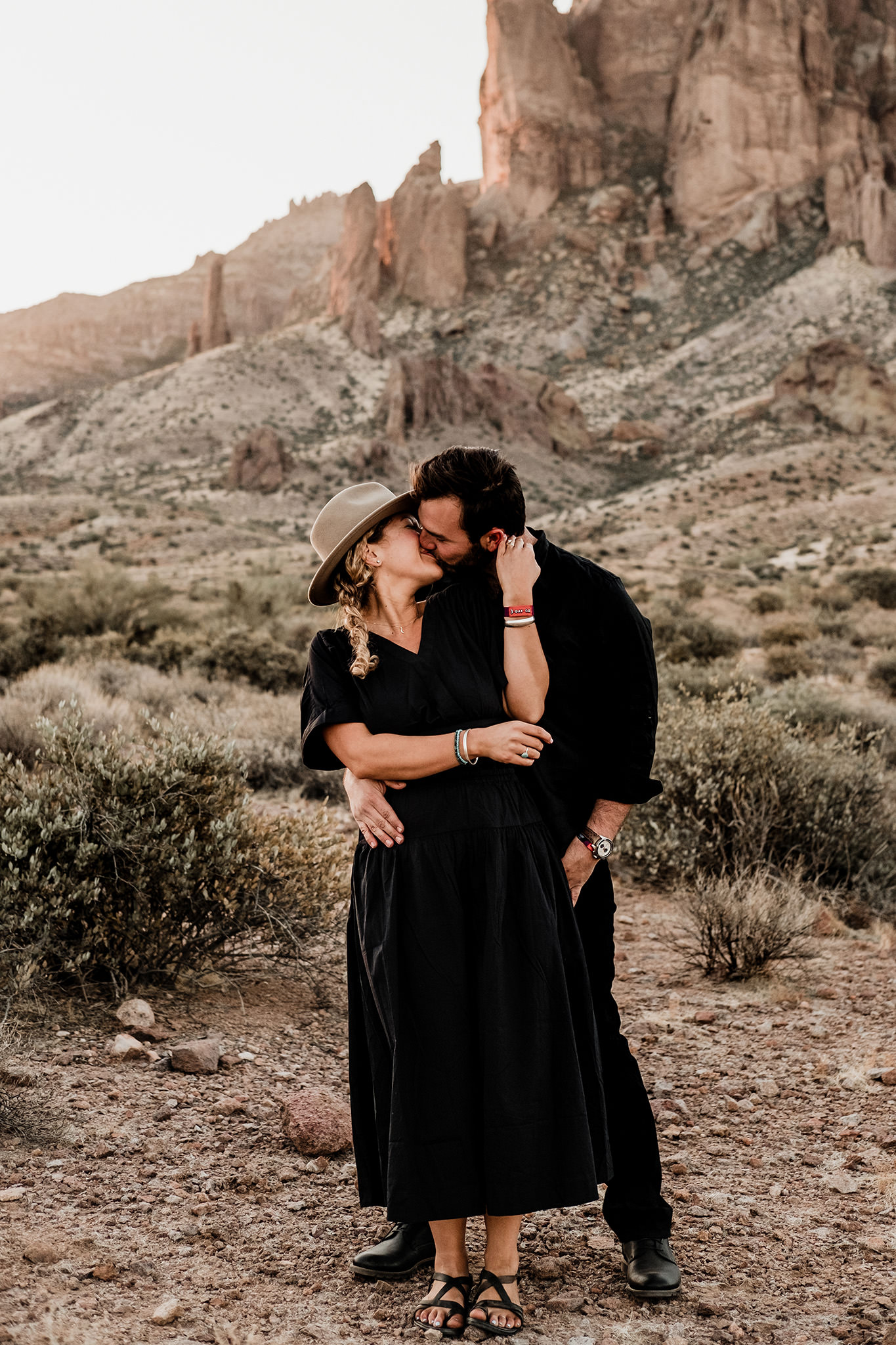 Arizona-Desert-Intimate-Wedding-Photographer-Lost-Dutchman-State-Park (22)