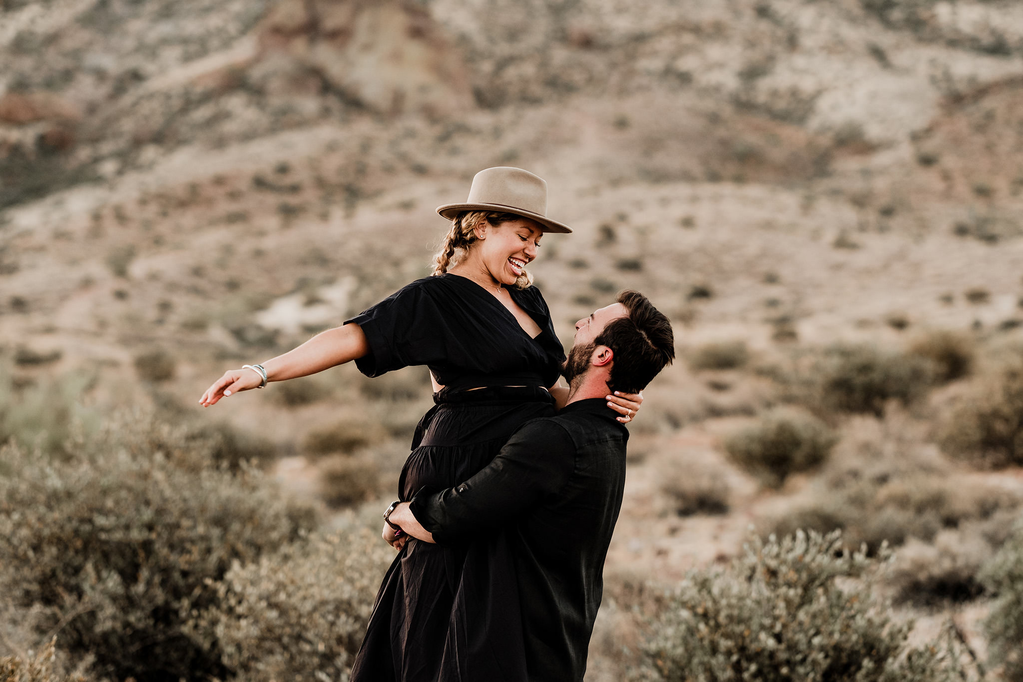 Arizona-Desert-Intimate-Wedding-Photographer-Lost-Dutchman-State-Park (24)