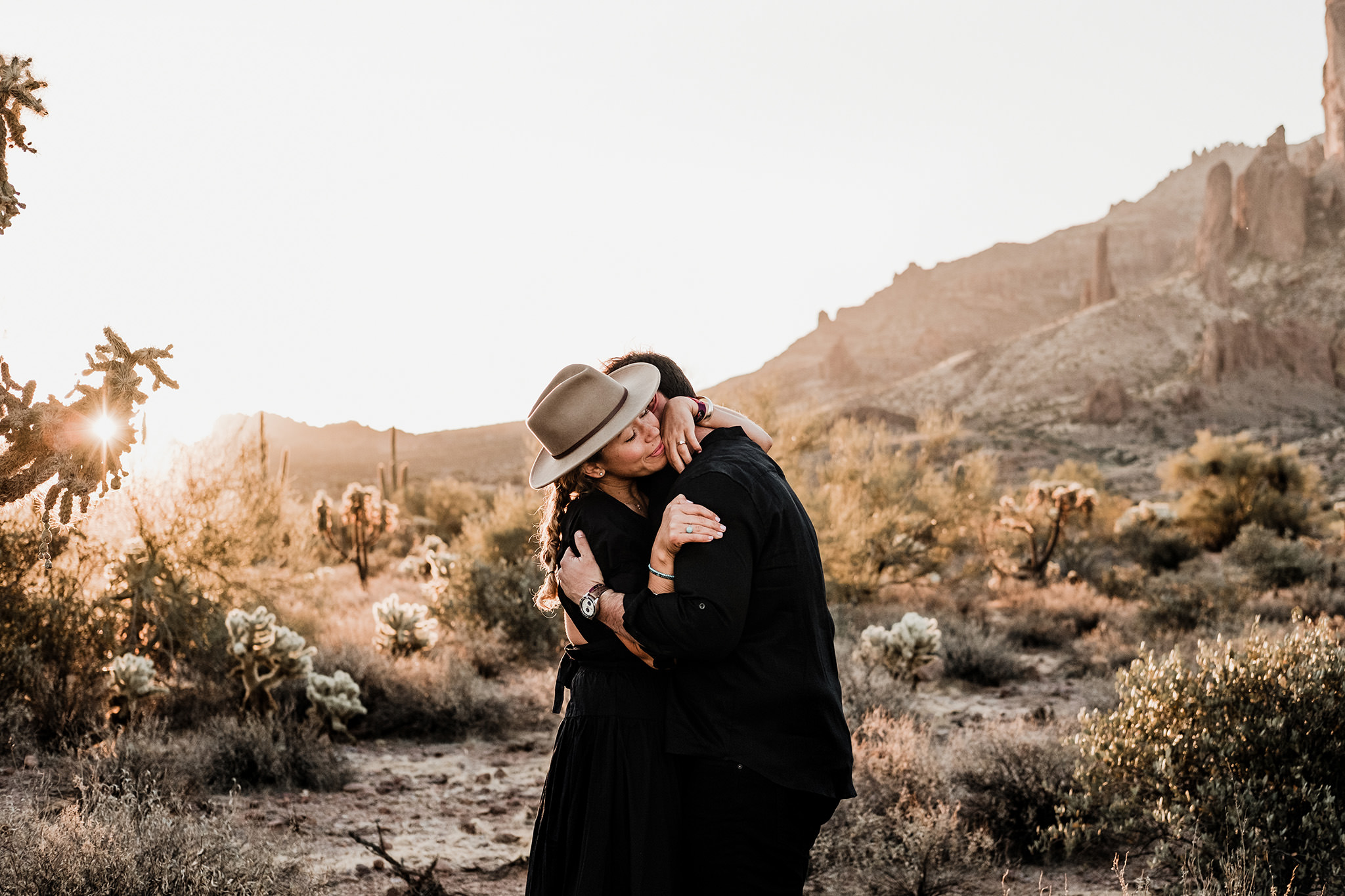 Arizona-Desert-Intimate-Wedding-Photographer-Lost-Dutchman-State-Park (28)