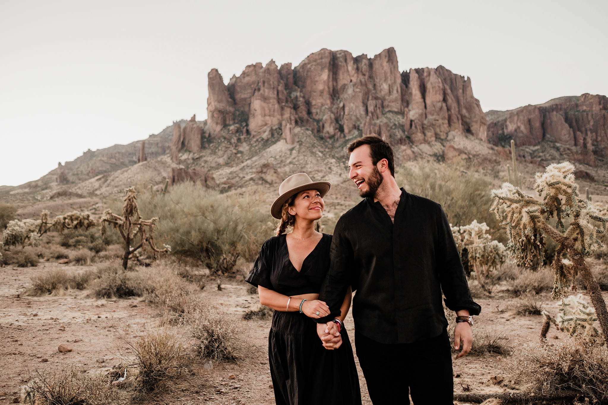 Arizona-Desert-Intimate-Wedding-Photographer-Lost-Dutchman-State-Park (4)