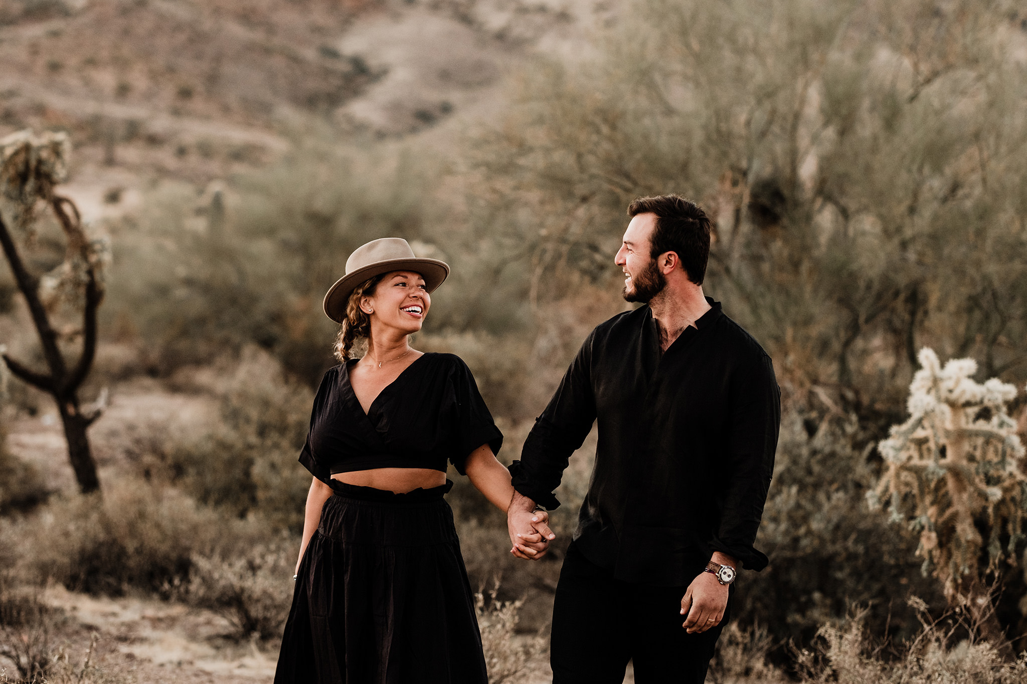 Arizona-Desert-Intimate-Wedding-Photographer-Lost-Dutchman-State-Park (5)