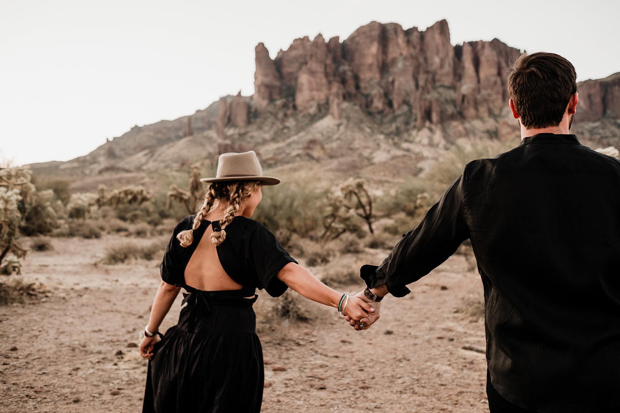 Arizona-Desert-Intimate-Wedding-Photographer-Lost-Dutchman-State-Park (6)